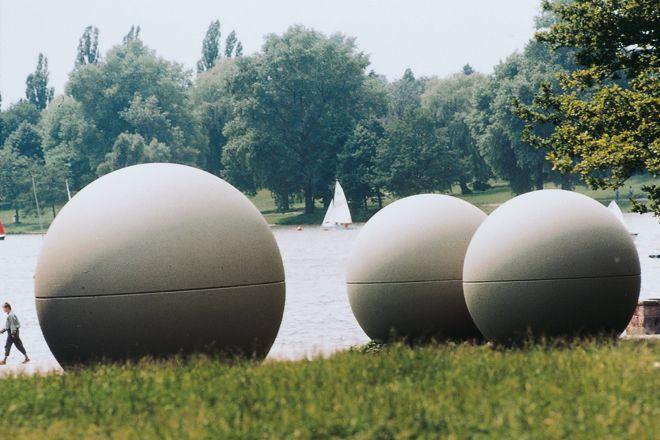 Giant pool balls